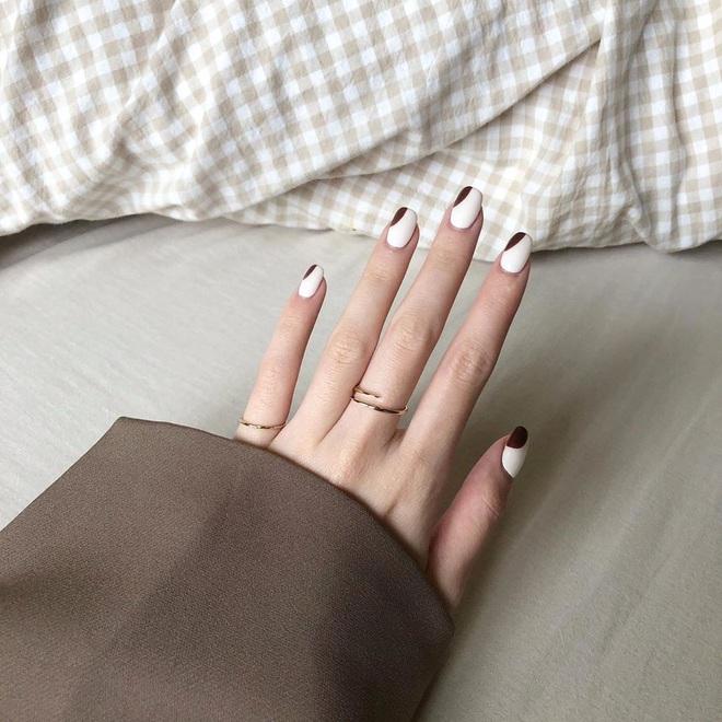 """Bộ nail làm tăng thần thái là có thật: 12 mẫu nail sang-đẹp-bạn nên ghim ngay ngày """"bung lụa"""""""