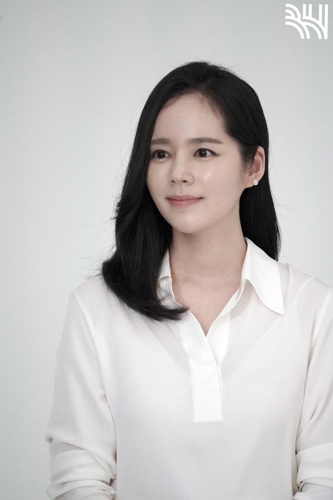 Tăng cân sương sương, biểu tượng nhan sắc xứ Hàn Han Ga In gây sốt Weibo với nhan sắc mặn mà khác hẳn thời son rỗi - ảnh 1