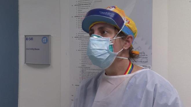 Bên trong phòng cấp cứu tại New York giữa đại dịch Covid-19: Mọi thứ chẳng khác gì thời chiến - ảnh 4