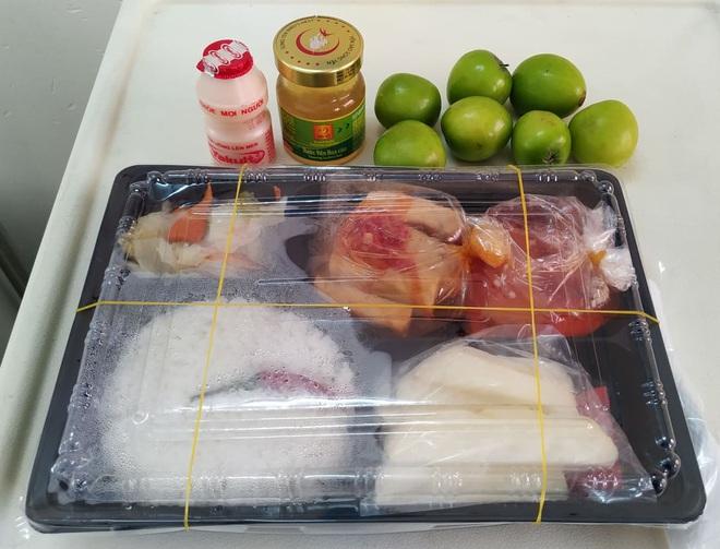 Những phần cơm cách ly bắt mắt và đẩy đủ dinh dưỡng gây sốt MXH: Thực đơn thay đổi liên tục, có thêm cả nho Úc, táo Canada - ảnh 4