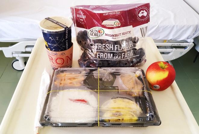Những phần cơm cách ly bắt mắt và đẩy đủ dinh dưỡng gây sốt MXH: Thực đơn thay đổi liên tục, có thêm cả nho Úc, táo Canada - ảnh 10
