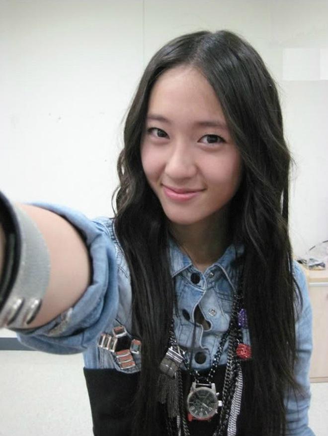 Nữ Idol 14 tuổi có ngoại hình như em bé: So sánh với center của IZ*ONE quả là một trời một vực! - ảnh 10