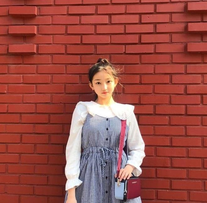 Nữ Idol 14 tuổi có ngoại hình như em bé: So sánh với center của IZ*ONE quả là một trời một vực! - ảnh 2