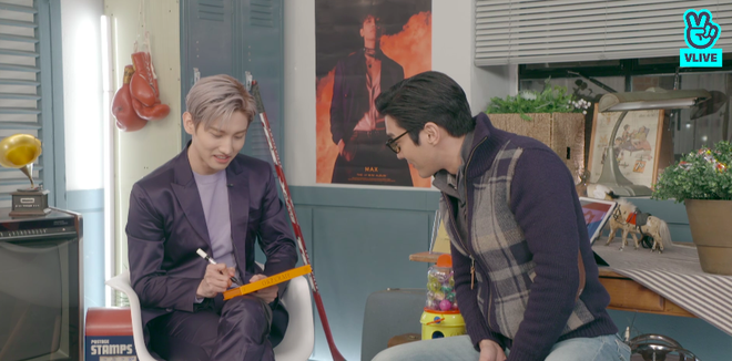 Changmin (DBSK) há hốc khi Siwon (Super Junior) bất ngờ xuất hiện để... xin chữ ký, tiết lộ sự động viên âm thầm của anh cả Yunho khi debut solo - ảnh 12