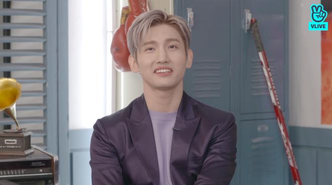 Changmin (DBSK) há hốc khi Siwon (Super Junior) bất ngờ xuất hiện để... xin chữ ký, tiết lộ sự động viên âm thầm của anh cả Yunho khi debut solo - ảnh 15