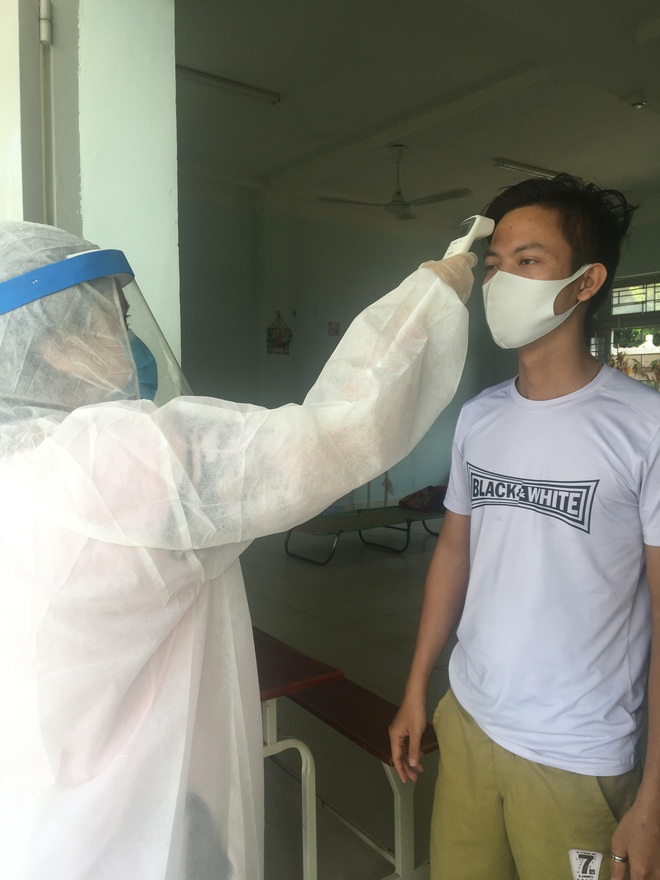 Nữ sinh viên trường Y tình nguyện làm việc ở khu cách ly: Người tuyến đầu chống dịch còn không sợ chết thì mình sợ cái gì? - ảnh 4