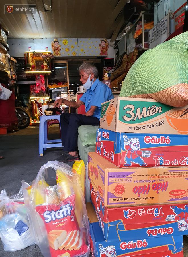 """Được cộng đồng mạng giúp đỡ sau khi mất việc, bác bảo vệ già ở Sài Gòn xúc động: """"Con ơi, hãy giúp người khó khăn hơn"""" - Ảnh 4."""
