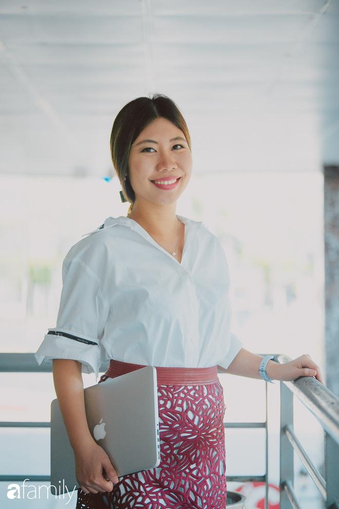 Nữ MC của loạt chương trình tiếng Anh chất lượng nhất nhì VTV - Phoebe Trần lần đầu tiết lộ những bất tiện khi bản thân quá thạo ngoại ngữ và điều thú vị trong cuộc sống của một cô gái đặc Việt - Ảnh 4.