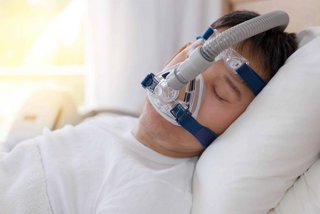 Chuyên gia phân tích: Máy thở và máy thở không xâm nhập có công dụng thế nào trong việc điều trị Covid-19? - ảnh 3
