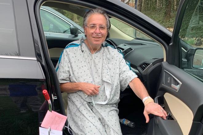 Trải nghiệm vượt cửa tử của những bệnh nhân Covid-19 trong phòng chăm sóc tích cực: Cảm giác giống như... bị chôn sống - ảnh 1