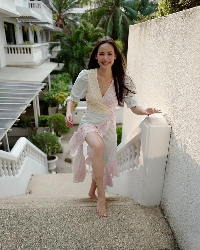 Ngắm các mỹ nhân Thái là ra ngay được 3 kiểu váy xinh nhức nhối, cực đáng sắm để đón Hè - ảnh 1