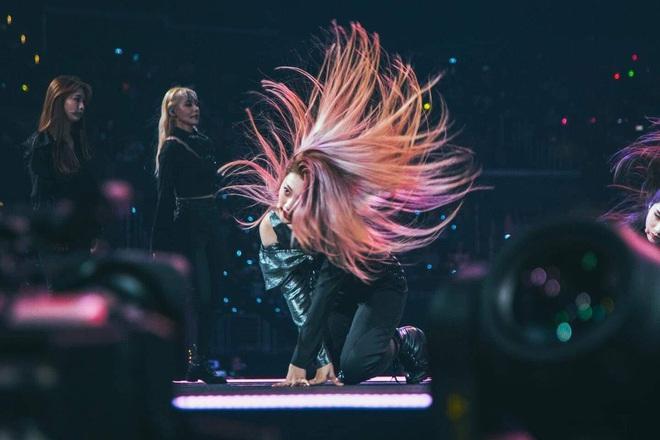 Đến tóc cũng phải luyện cách hất sao cho thần thái, làm idol đúng là cái nghề khó tưởng chết mà! - ảnh 3