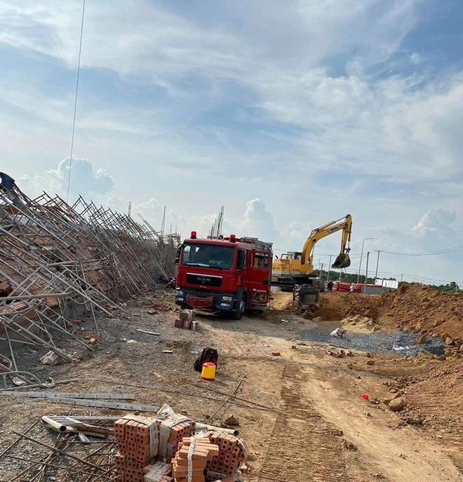 NÓNG: Sập công trình kinh hoàng ở Đồng Nai, 10 người tử vong - Ảnh 5.