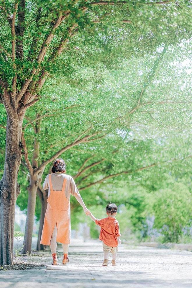 Một vùng đất ở Việt Nam hiện lên rất khác qua bộ ảnh đang viral của gia đình nhỏ mê du lịch: Đẹp trong veo như tranh vẽ, nhìn chỉ muốn đi luôn! - Ảnh 6.