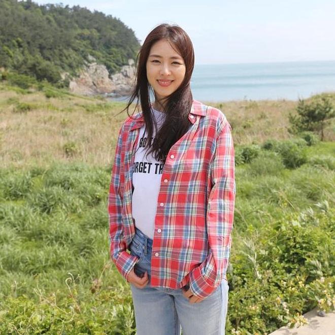 Sự nghiệp đầy tranh cãi của Lee Yeon Hee - mỹ nhân hạnh phúc nhất SM vừa lên xe hoa - ảnh 16