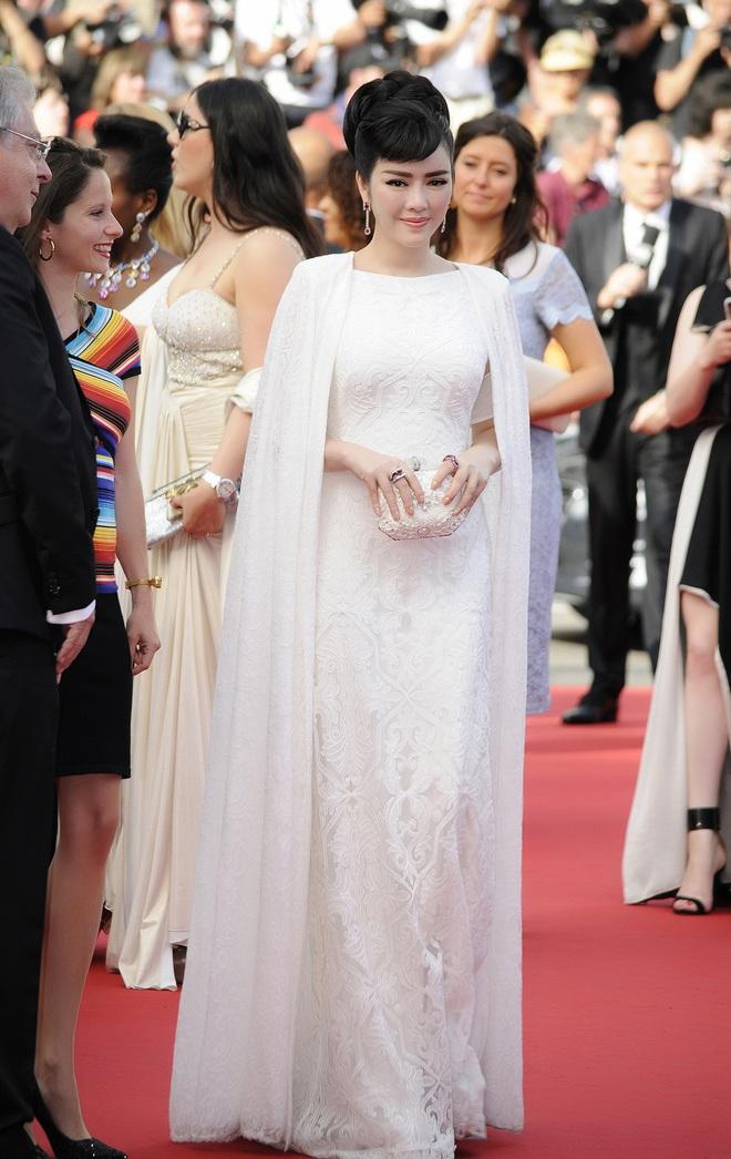 """Vbiz có nhiều mỹ nhân nhưng chỉ có Lý Nhã Kỳ đạt đến đẳng cấp """"bà hoàng thảm đỏ"""" tại LHP Cannes - Ảnh 10."""