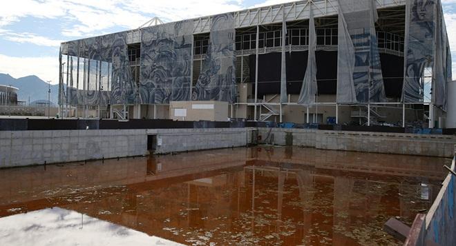 """Công trình triệu đô tổ chức Olympic 2016 hoang tàn như """"vùng đất chết"""", chuyện gì đã xảy ra? - Ảnh 2."""
