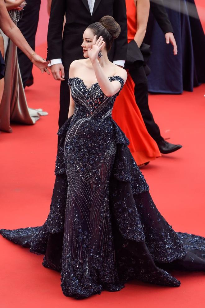 """Vbiz có nhiều mỹ nhân nhưng chỉ có Lý Nhã Kỳ đạt đến đẳng cấp """"bà hoàng thảm đỏ"""" tại LHP Cannes - Ảnh 1."""