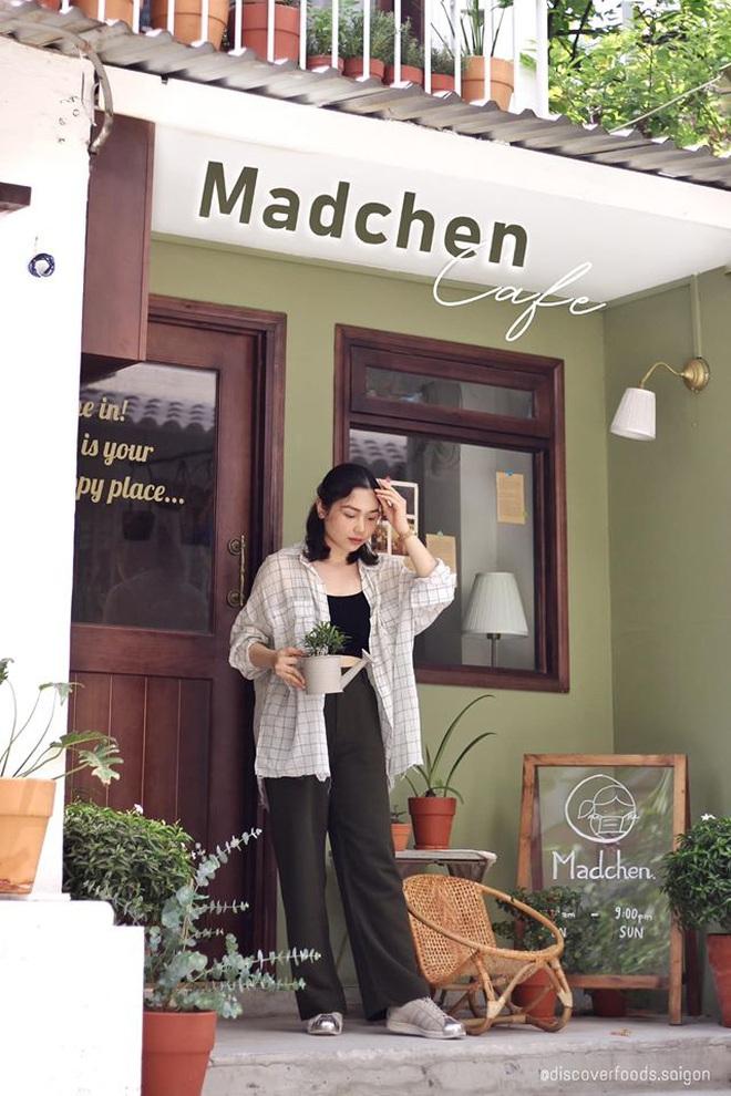 """""""Vương quốc"""" cà phê của Sài Gòn lại xuất hiện thêm 3 quán mới toanh với phong cách hoàn toàn khác biệt, hậu cách ly lại có chỗ sống ảo rồi! - Ảnh 2."""