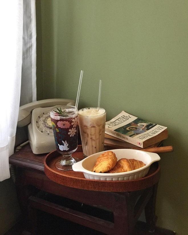 """""""Vương quốc"""" cà phê của Sài Gòn lại xuất hiện thêm 3 quán mới toanh với phong cách hoàn toàn khác biệt, hậu cách ly lại có chỗ sống ảo rồi! - Ảnh 4."""