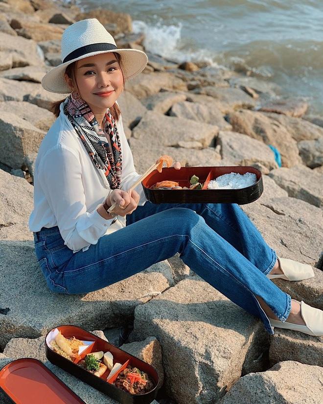 """Điểm danh 4 mỹ nhân Việt đang sở hữu """"vòng eo 53cm"""": từ siêu mẫu đến Hoa hậu, ca sĩ đều có đủ cả - Ảnh 12."""