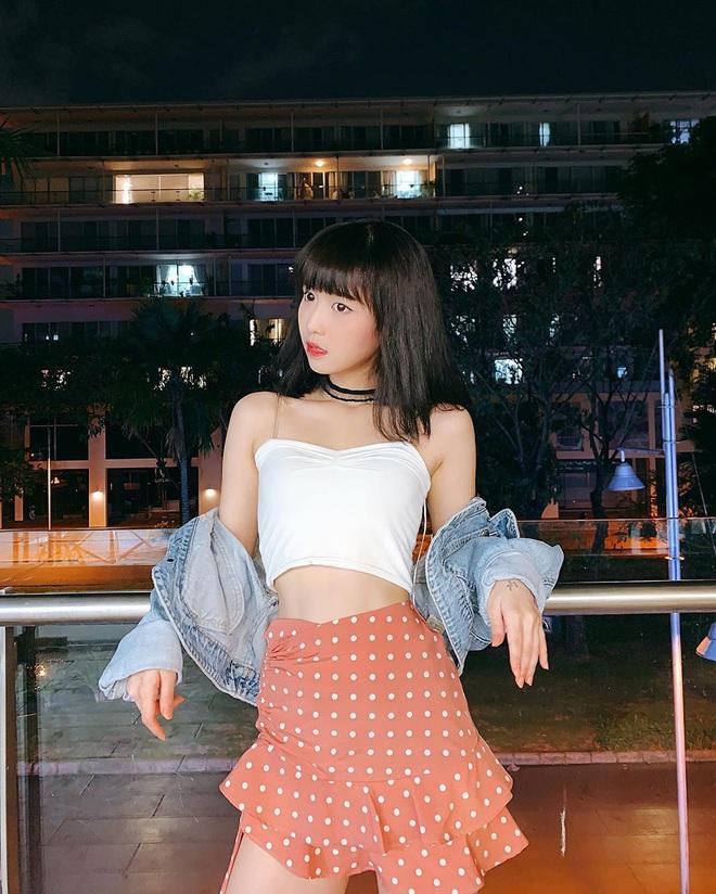 """Điểm danh 4 mỹ nhân Việt đang sở hữu """"vòng eo 53cm"""": từ siêu mẫu đến Hoa hậu, ca sĩ đều có đủ cả - Ảnh 2."""