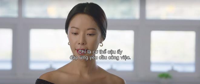Mystic Pop-up Bar tập 2: Dì hai Hwang Jung Eum tuyển chạy bàn như săn trai về làm tay vịn, lừa chú bé U25 kí hợp đồng nô lệ? - ảnh 6