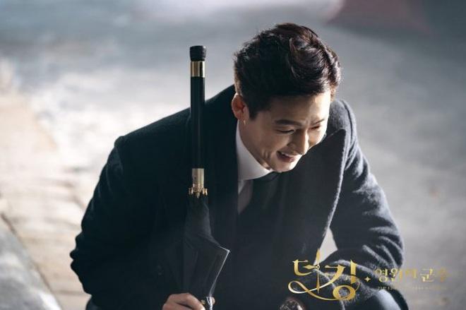 """Dự đoán Quân Vương Bất Diệt tập 11: Kim Go Eun bị """"song trùng"""" truy sát nhưng Lee Min Ho giải cứu kịp thời? - Ảnh 4."""