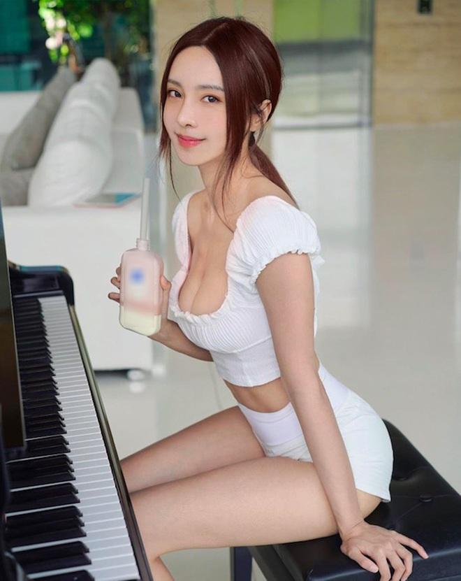 """""""Hot girl số 1 Malaysia"""" chia sẻ bí quyết lấy lại thân hình """"thắt đáy lưng ong"""" khi giảm từ 52kg xuống 45kg - Ảnh 1."""