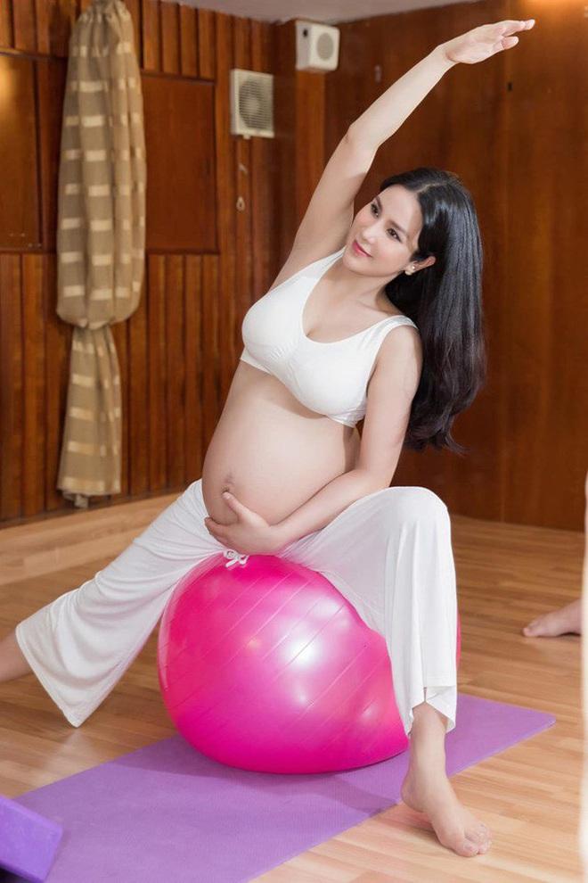 Sao Việt lấy lại dáng đẹp sau sinh: Nhã Phương tập lên cả cơ bụng, Lan Khuê bụng phẳng lì không chút mỡ thừa - ảnh 24