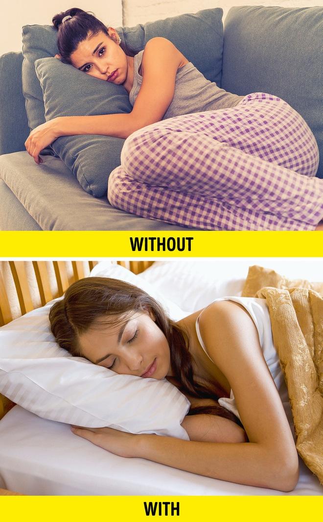 Nhiều người trời nóng 35 40 độ vẫn đắp chăn bật quạt đi ngủ: Khoa học giải thích thế nào? - ảnh 4