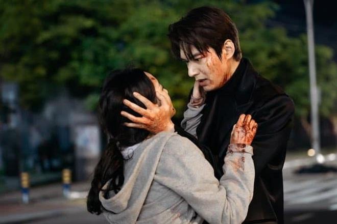 Nữ thủ tướng lỡ miệng spoil kết của Quân Vương Bất Diệt, Lee Min Ho và Kim Go Eun phải vội lấp liếm? - ảnh 2
