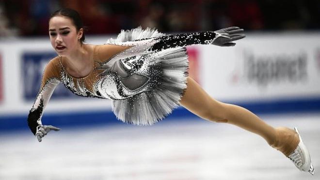 'Thiên thần' trượt băng được ông Putin chúc mừng sinh nhật - ảnh 6