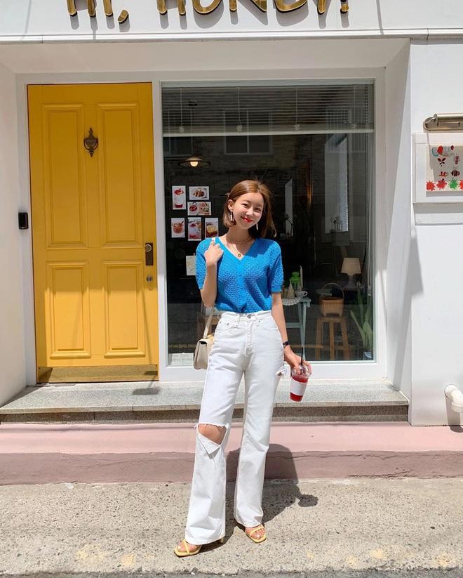 6 kiểu quần jeans hot nhất hè này, chị em muốn được khen ăn mặc sang xịn, trendy hãy update ngay - Ảnh 1.