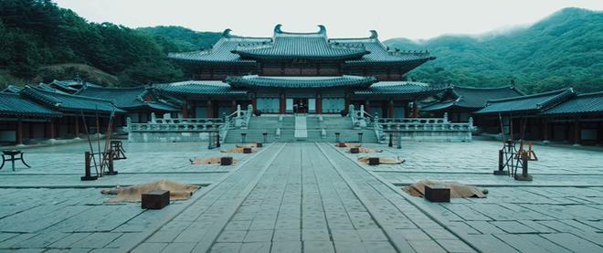 Giải mã MV của SUGA (BTS): Tên ca khúc là một điệu nhạc cổ, câu chuyện về vị Vua tàn bạo khét tiếng cùng rất nhiều biểu tượng văn hoá Hàn Quốc được cài cắm - ảnh 1