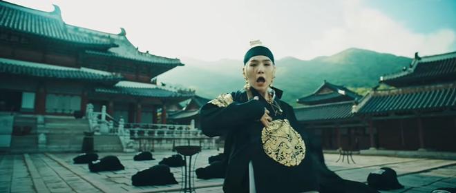 Giải mã MV của SUGA (BTS): Tên ca khúc là một điệu nhạc cổ, câu chuyện về vị Vua tàn bạo khét tiếng cùng rất nhiều biểu tượng văn hoá Hàn Quốc được cài cắm - ảnh 5