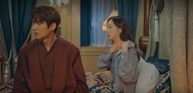 Tập 12 Quân Vương Bất Diệt trả bài cực hot cảnh giường chiếu của Lee Min Ho: Hết hôn cổ tới luôn bước hạ sinh thái tử? - ảnh 5