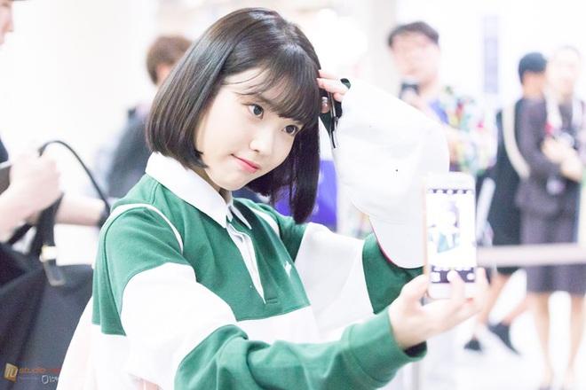 Hiếm idol nữ nào selfie mà đạt đến độ đẹp điên đảo như IU, kéo đến hình siêu zoom lồ lộ làn da và đường nét mới choáng - ảnh 3