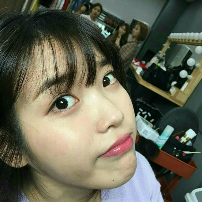 Hiếm idol nữ nào selfie mà đạt đến độ đẹp điên đảo như IU, kéo đến hình siêu zoom lồ lộ làn da và đường nét mới choáng - ảnh 16