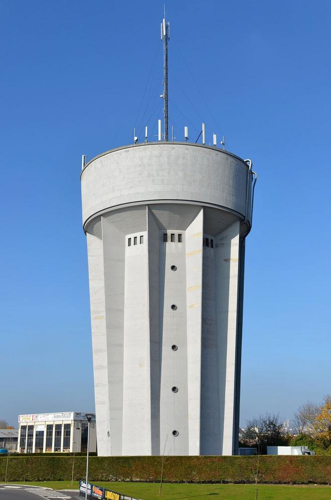 Ngọn tháp kỳ quặc này là gì mà dù có vẻ cực kỳ dễ đổ, người ta cứ xây nó tràn lan khắp thế giới? - ảnh 6