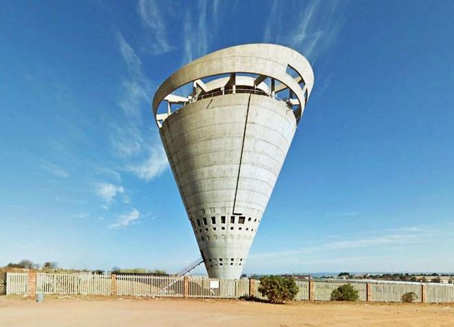 Ngọn tháp kỳ quặc này là gì mà dù có vẻ cực kỳ dễ đổ, người ta cứ xây nó tràn lan khắp thế giới? - ảnh 5