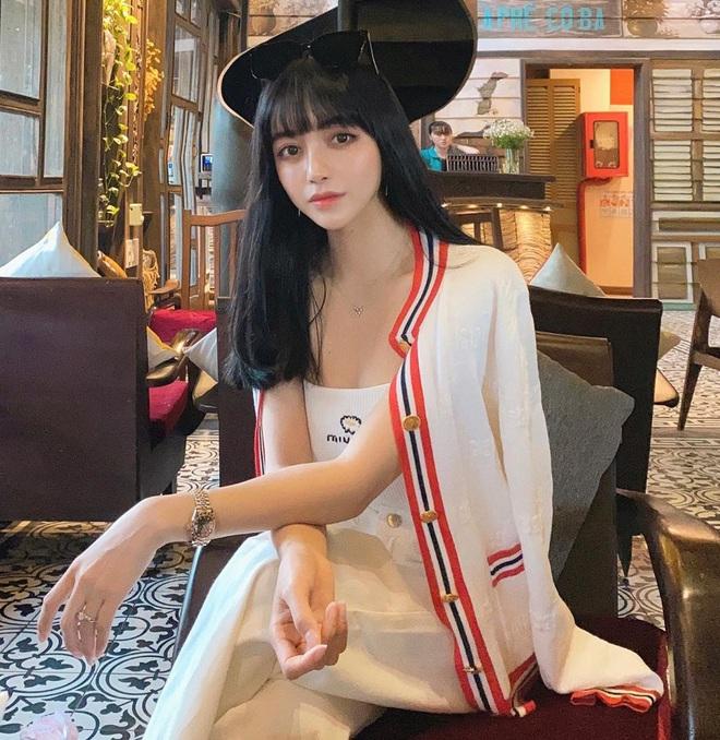 Fan hỏi Trang Anna đáp: Một lần đi bar hết 140 triệu, vòng một có sẵn rồi nên chỉ sửa mũi làm răng thôi - ảnh 2