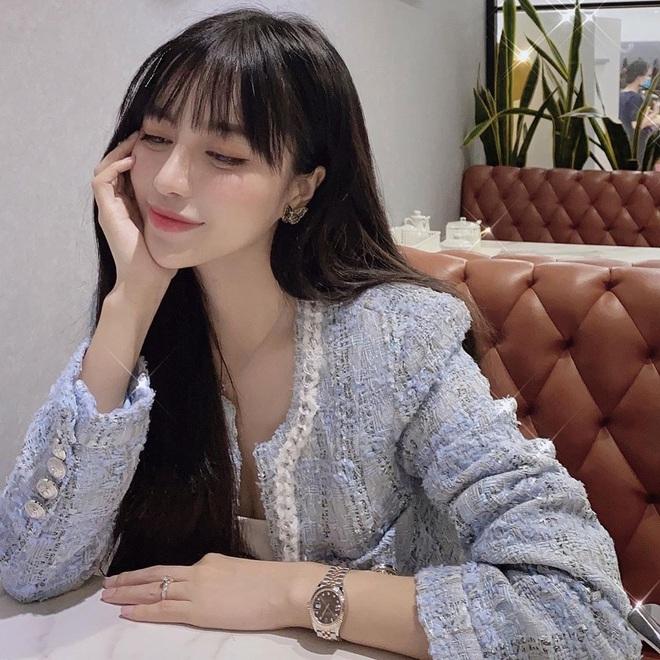 Fan hỏi Trang Anna đáp: Một lần đi bar hết 140 triệu, vòng một có sẵn rồi nên chỉ sửa mũi làm răng thôi - ảnh 1