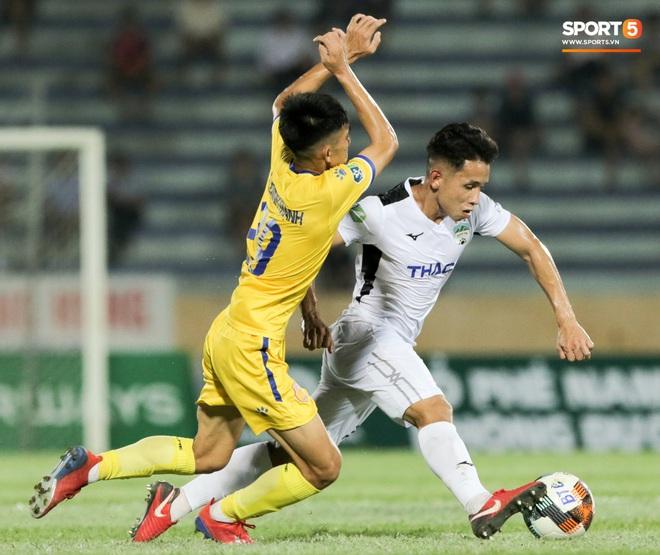 Tiền đạo nhập tịch nổi giận, quát tháo cựu tuyển thủ U23 Việt Nam ngay trên sân: Cậu ta quá tham lam - ảnh 9
