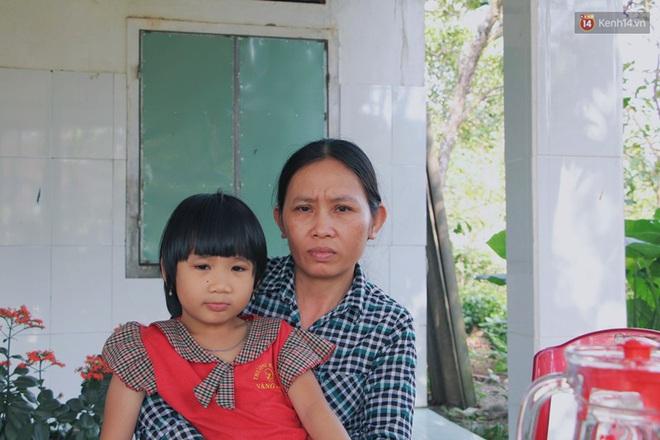 Xót cảnh bé trai 3 tháng tuổi không biết mặt bố, vừa chào đời đã mắc bệnh tim, hở hàm ếch sống bên người mẹ khù khờ - Ảnh 8.