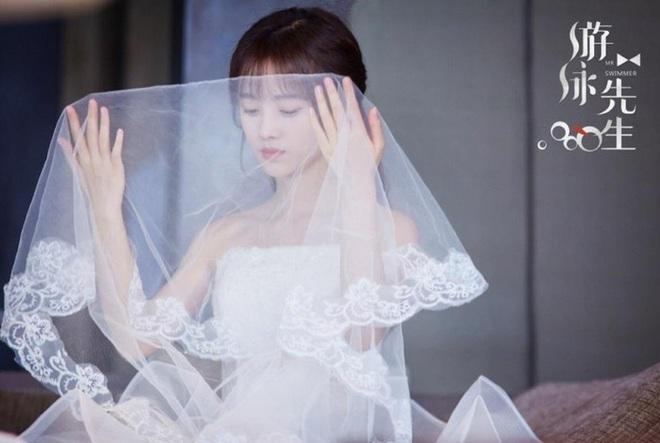 9 cô dâu nhan sắc đỉnh bức người ở màn ảnh Hoa ngữ: Cứ nghĩ thần thái là thế nhưng Địch Lệ Nhiệt Ba vẫn chưa phải đỉnh nhất nha! - ảnh 18