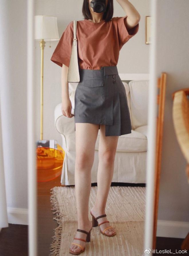 Thử 8 dáng áo phông cơ bản của Uniqlo, cô nàng này còn khuyến mại thêm vài cách mặc chanh sả hay ho - ảnh 2