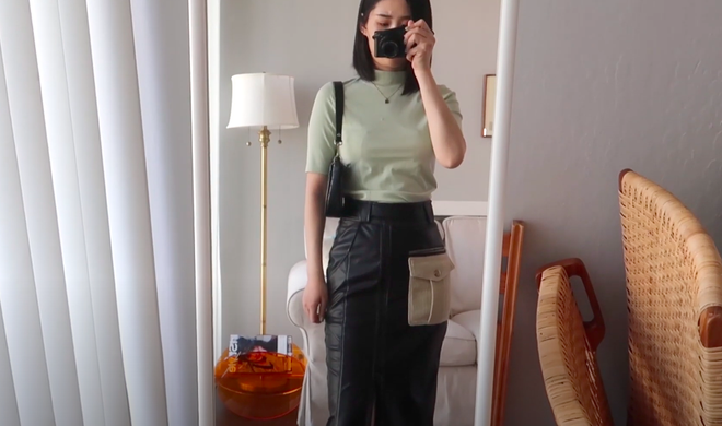 Thử 8 dáng áo phông cơ bản của Uniqlo, cô nàng này còn khuyến mại thêm vài cách mặc chanh sả hay ho - ảnh 17