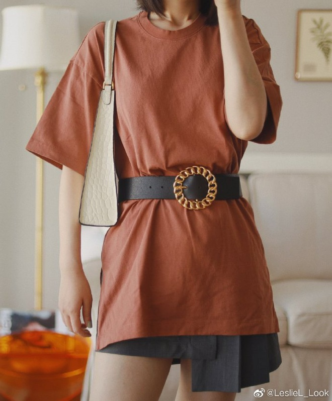 Thử 8 dáng áo phông cơ bản của Uniqlo, cô nàng này còn khuyến mại thêm vài cách mặc chanh sả hay ho - ảnh 3