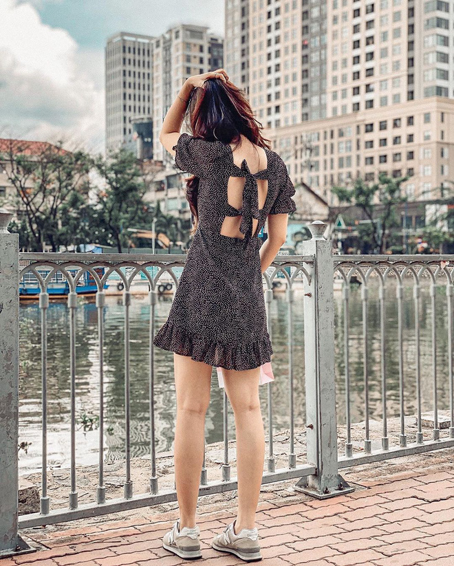 Kiểu áo váy khoét lưng gợi cảm na ná áo Jennie đang cực hot ở các shop mà giá lại chỉ vài ba trăm, chị em còn chờ gì mà không tậu - ảnh 19